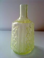 """Antico Vittoriano GIALLO uranio Pressed Glass CARAFFA BOTTIGLIA 7,5 """"Tall"""