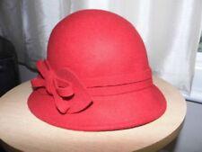 Cappelli da donna cloche rosso