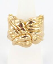 .LARGE / NEAR MINT 18K GOLD DECORATIVE RING. PRICED TO SELL !!!