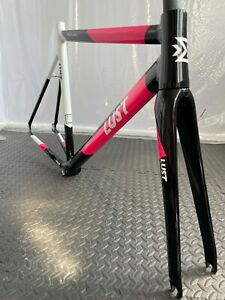 NEW FIXED GEAR BIKE / ROAD BIKE / FRAME SET EXTRA LIGHT WITH CARBON FORK