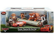 DISNEY STORE CARS TRACTOR TIPPING SET WITH FRANK THE COMBINE #/2000