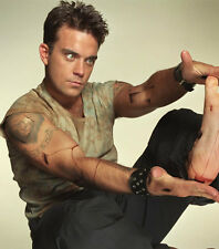 ROBBIE WILLIAMS UNSIGNED PHOTO - 7751 - SINGER & SONGWRITER
