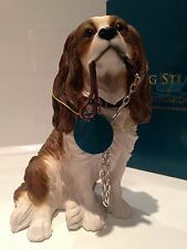Sitting Blenheim Cavalier King Charles Spaniel Ornament Gift Figure Figurine