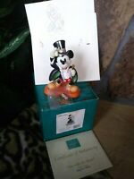 "MAGICIAN MICKEY WDCC DISNEY FIGURINE ""ON WITH THE SHOW"", with Pin, Print"