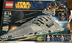 LEGO Star Wars 75055 Imperial Star Destroyer with Box, Instructions, Poster