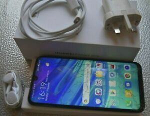Huawei P smart 2019  64 GB 3gb ram unlocked, smashed screen, working