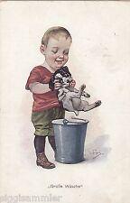 Große Wäsche Junge mit putzigem Hund AK 1916 Künstler WK I  Dog Chien 1601041