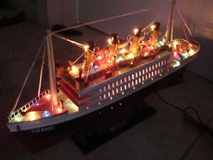 "Titanic wooden model cruise ship with flashing light 16"""