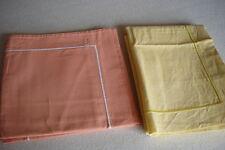 2  TAIES  D'OREILLER  (Orange et Jaune)