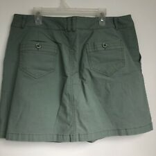 Dockers women short size 10 skirt with shorts under skirt mini above knee.