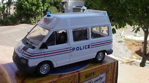 renault traficsurélevé 1989 police nationale boite d'origine norev (presse) 1/43