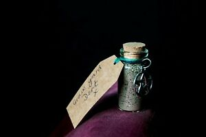 Graveyard Dirt - Wicca, Pagan, Witchcraft, Charm, Altar, Voodoo, Hex, Protection