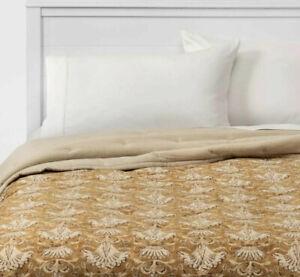Threshold Velvet Warm Gold Paisley Floral Print Full Queen Tufted Quilt
