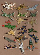Lot de 18 pin's / Avion (essentiellent militaire)