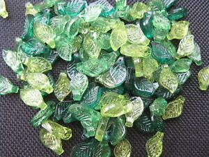 """30 Acryl - Perle """" Blatt """" grün Mix 5x10mm neu Perlen 10799"""