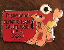 Vintage DISNEYLAND USA OLYMPIC TEAM SALUTE 1988 Pin PLUTO Playing Soccer-Seoul