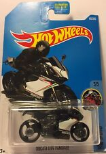 2015 Hot Wheels Ducati 1199 Panigale Diecast metal car toy scale 1/64 Mattel 3+.