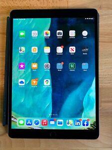 Apple iPad Air (3rd Generation) 256GB, Wi-Fi, 10.5in - Space Gray  Warranty