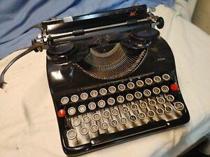 Vintage G. F. Grosser German Typewriter Pretty Machine Antique Groma 1930's