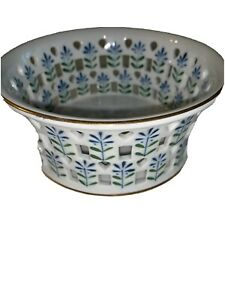 "Australian Fine Porcelain Home Decor Bowl Blue White 5""1/2 X 2""1/2 Tall"