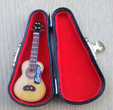 1:12 Scale Wooden Spanish Guitar & Black Case Tumdee Dolls House Instrument 152