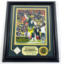 Brett Favre Signed Photo Display Jersey Coin Highland Mint Framed Auto DF025157