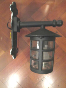 VINTAGE PORCH WALL LIGHT FITTING