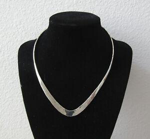 Sterling SilverTapered V Shape Collar Necklace, subtle hammered texture, 26g