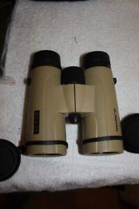 Meade 147003 10x42mm CanyonView ED Waterproof High Quality Binoculars