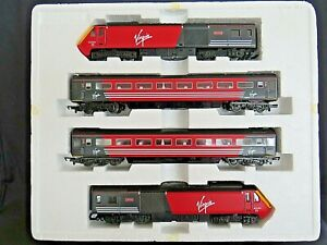 Hornby R1023. Virgin HST Train & Carriages. Maiden Voyager / Lady in Red. UNUSED