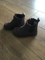 Leather Ugg Boots, size C7