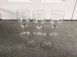 5 Plastic Reusable Clear Picnic Wine Glasses