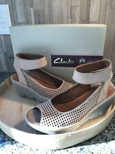 NEW Clarks Artisan SZ 10W Women's Clarene Prima Wedges Platform Tan Sandals