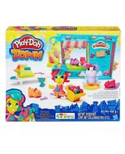 Play-Doh Town Pet Store 4 Colors Of Dough And Figures ages 3+