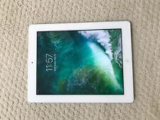 "Apple iPad 4 (4th Generation) 9.7"" Retina Display Black/White"