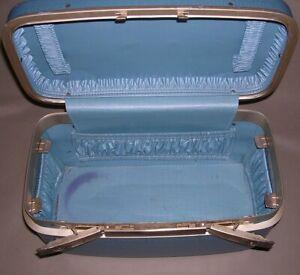 Vintage 1960s / 1970s Train Case Hard Shell Vanity Cosmetic Beige Blue Samsonite