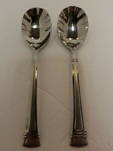 (2) WALLACE ZENITH FROST STAINLESS 18/10 FLATWARE SILVERWARE SHELL SUGAR SPOONS