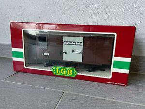 LGB RhB gedeckter Güterwagen