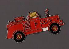 Pin's pompier / Camion de pompiers ancien