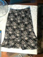 Sag Harbor Black Floral Silky Polyester Skirt Womens Petite 5P USED