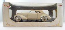 """1936 Cord 810 Convertible SIGNATURE MODEL 1:18 scale  """"NEW"""""""