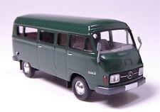 H0 BREKINA Starmada Mercedes Benz L 206 D Kombi Kasten jägergrün Spiegel # 13250