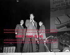 ELVIS PRESLEY Live in LOUISVILLE Kentucky November 25 1956 Photo in Concert 03