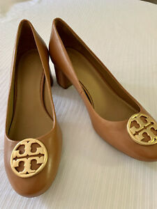 TORY BURCH: ROYAL TAN LEATHER W/ GLEAMING GOLD DBLE T LOGO 9M MSRP: $298 NWT