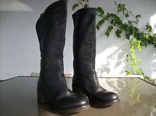 bottes plein cuir noir vintage .T 41 .(31/C/G)