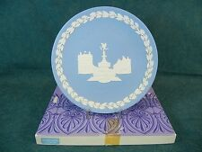 Wedgwood Jasperware 1974 Christmas Plate The Houses of Parliament with Box