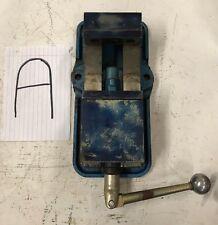 "Kurt Precision Machine Vise D40-002786 4"" wide / 3-7/8"" with handle"