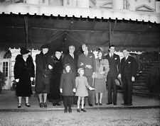 Roosevelt family leaves White House for Christmas services 1938 - New 8x10 Photo
