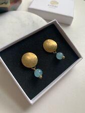 Tono Oro y Azul Pálido Calcedonia pendientes