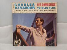 Charles Aznavour Accompagné Par Burt Random Et Paul Mauriat – Les Comédiens